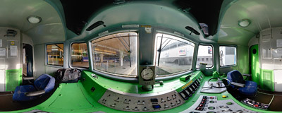 Inside the driver's compartment of an ET22-209 electric locomotive.  Click to view this panorama in new fullscreen window