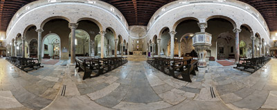 Inside the Romanesque Basilica of San Frediano in Lucca, Italy.  Click to view this panorama in new fullscreen window