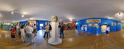 Malbork castle - museum room.  Click to view this panorama in new fullscreen window