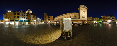 Piazza Erbe: the most beautiful of squares in Mantua, Italy.  Click to view this panorama in new fullscreen window