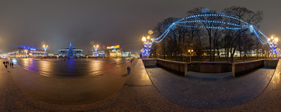 October Square (Кастрычніцкая плошча, Октябрьская площадь), one of the main squares of Minsk, the capital city of Belarus.  Click to view this panorama in new fullscreen window