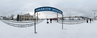 First late autumn snow at the peripheral railway station in Kraków-Mydlniki.  Click to view this panorama in new fullscreen window