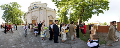 Olesno near Dąbrowa Tarnowska: guests waiting in line to wish all the best to a just married couple....  Click to view this panorama in new fullscreen window