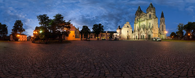 In front of St. Wenceslaus' Cathedral in Olomouc, Czech Republic.  Click to view this panorama in new fullscreen window