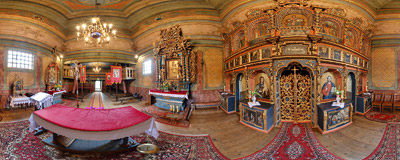 Inside the 17th century wooden tserkva in Owczary.  Click to view this panorama in new fullscreen window
