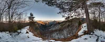 On the summit of Zamkowa Góra (799 m) in the Pieniny Mountains.  Click to view this panorama in new fullscreen window