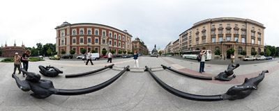 (R)evolution: Freedom by the Czech artist David Černý, erected on Matejko Square in Kraków during the 3rd ArtBoom Festival.  Click to view this panorama in new fullscreen window