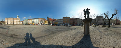 Kraków - Plac Wolnica, main square of the old Jewish quarter Kazimierz.  Click to view this panorama in new fullscreen window