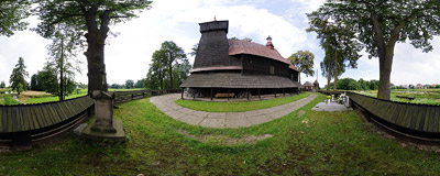 The early 16th century wooden church of St. Bartholomew in Poręba Wielka near Oświęcim.  Click to view this panorama in new fullscreen window