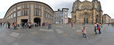 Prague Castle - St. Vitus Cathedral.  Click to view this panorama in new fullscreen window