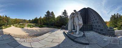 Dukliansky priesmyk monument.  Click to view this panorama in new fullscreen window