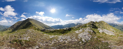 The Jamina Pass (Przełęcz Jamina, 1967 m) below the summit of Baranec (2184 m) in Slovak Tatra Mountains.  Click to view this panorama in new fullscreen window