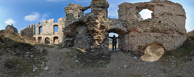 Ruins of the Rabsztyn castle.  Click to view this panorama in new fullscreen window