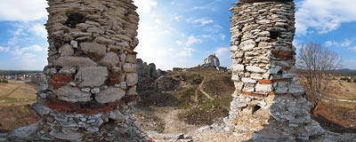 A window in the Rabsztyn castle ruins.  Click to view this panorama in new fullscreen window