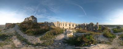 Rabsztyn castle ruins.  Click to view this panorama in new fullscreen window