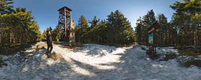 Radziejowa (1262 m), the highest summit of the Beskid Sądecki mountain range.  Click to view this panorama in new fullscreen window