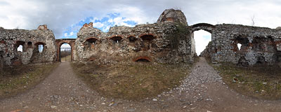 Ruins of Tęczyn castle in Rudno - entrance gate.  Click to view this panorama in new fullscreen window