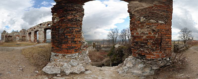 Ruins of Tęczyn castle in Rudno - 2nd floor window.  Click to view this panorama in new fullscreen window