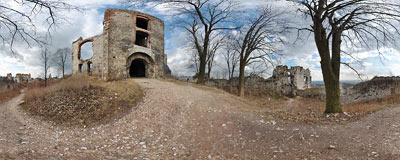 Ruins of Tęczyn castle in Rudno - under the main tower.  Click to view this panorama in new fullscreen window