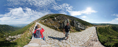 The Anniversary Road (Jubiläumsweg, Droga Jubileuszowa) is a paved trail leading to the summit of Śnieżka, built in 1903-1905 to commemorate the 25 years of Riesengebirgsverein, the local tourist organization.  Click to view this panorama in new fullscreen window