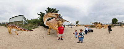 Dinosaur exhibition on a beach near the pier in Sopot.  Click to view this panorama in new fullscreen window