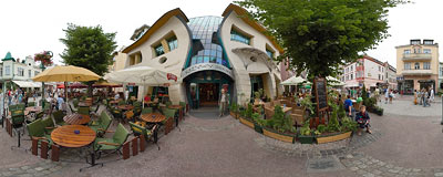 Sopot - Crooked House.  Click to view this panorama in new fullscreen window