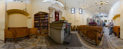 Remuh Synagogue in Kazimierz, the Jewish quarter of Kraków.  Click to view this panorama in new fullscreen window