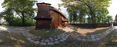 The 15th century wooden church in Tarnów.  Click to view this panorama in new fullscreen window