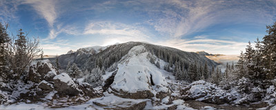 The rock called Piec on the trail from the Kościeliska Valley to the summit of Ciemniak in the Tatra Mountains.  Click to view this panorama in new fullscreen window
