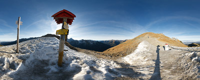 Sucha Przełęcz (Suché sedlo, 'The Dry Pass', 1950 m) on the Polish-Slovak border in the Tatra Mountains.  Click to view this panorama in new fullscreen window