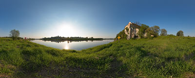 Benedictine abbey in Tyniec overlooking the Vistula river.  Click to view this panorama in new fullscreen window
