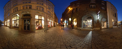 Early winter evening on Sienna Street in Kraków.  Click to view this panorama in new fullscreen window