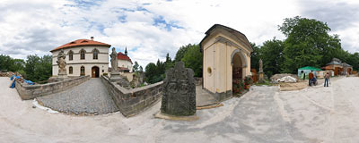 Valdštejn Castle in Bohemian Paradise.  Click to view this panorama in new fullscreen window