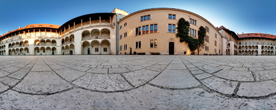 The courtyard of the Wawel castle in Kraków.  Click to view this panorama in new fullscreen window