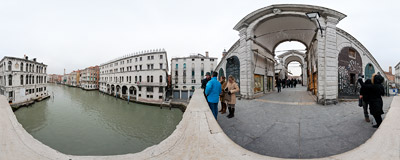 Looking over the Canal Grande from the famous Rialto Bridge in Venice.  Click to view this panorama in new fullscreen window