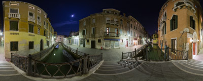 Ponte del Diavolo (Devil's Bridge) over one of the canals in the Castello sestiere of Venice, Italy.  Click to view this panorama in new fullscreen window