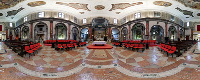 Inside the church of Santi Apostoli in the Cannaregio district of Venice.  Click to view this panorama in new fullscreen window