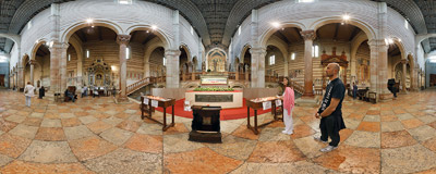 Inside the Basilica di San Zeno in Verona, Northern Italy.  Click to view this panorama in new fullscreen window
