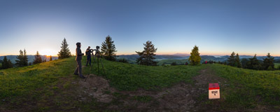 Wysoki Wierch (899 m) on the Polish-Slovak border in the Małe Pieniny mountain range is a popular destination for sunrise-seeking photographers.  Click to view this panorama in new fullscreen window