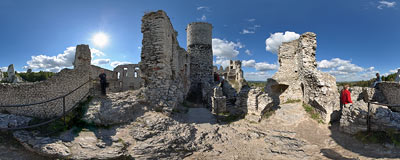 Ogrodzieniec castle ruins.  Click to view this panorama in new fullscreen window
