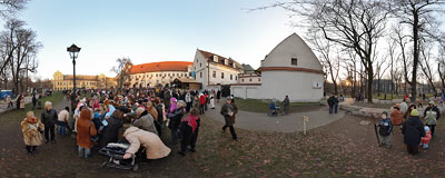 Live animals by the Franciscan church in Kraków.  Click to view this panorama in new fullscreen window